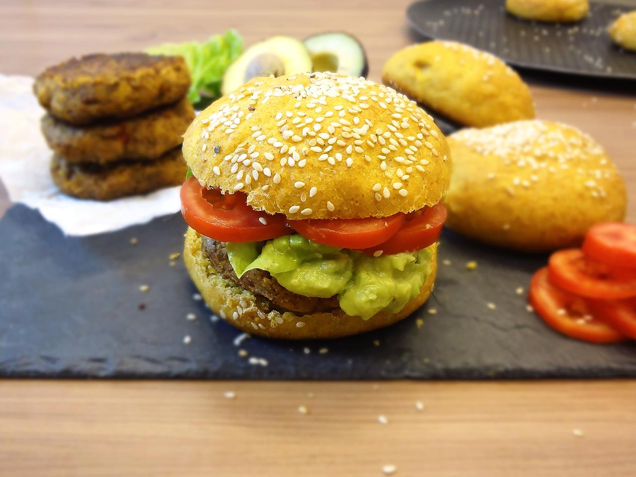Hambúrguer Vegano de Soja e Pão de Cenoura